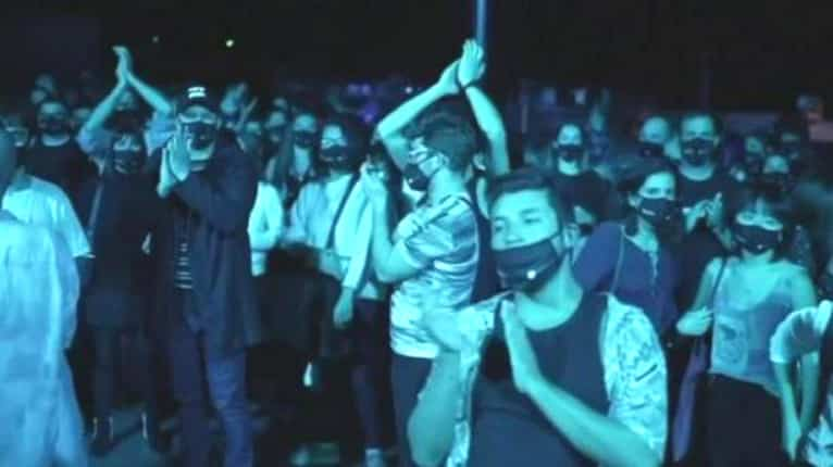 Five thousand music fans attend rock concert in Barcelona