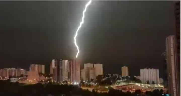 Benidorm lightning thunderbolt fire causes fears of gas explosion