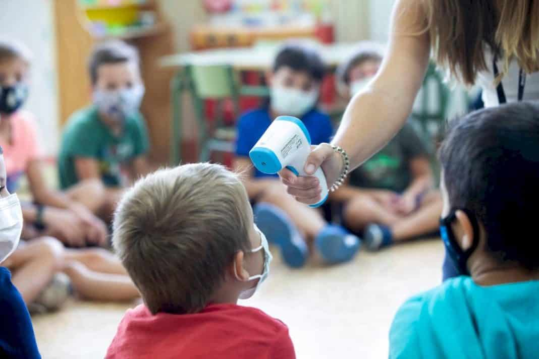 Teacher infections stabilise while those among students show slight increase