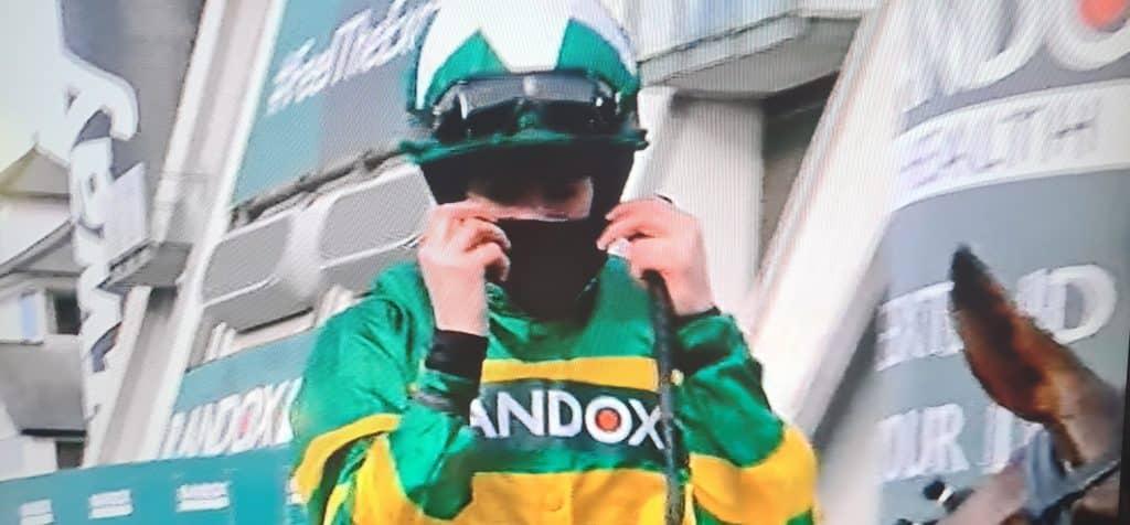 Jockey Rachael Blackmore menciptakan sejarah menjadi wanita pertama yang mengendarai pemenang Randox Aintree Grand National