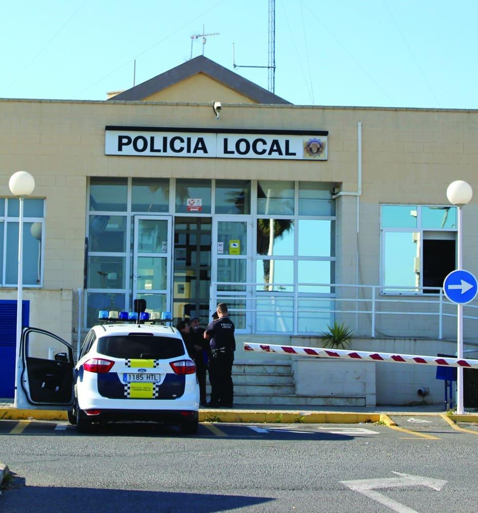Prosecutor requests jail sentences for 3 Torrevieja police officers