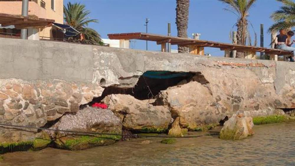 repair works of the seafront on Avenida de los Marineros (Playa del Cura) have been completed