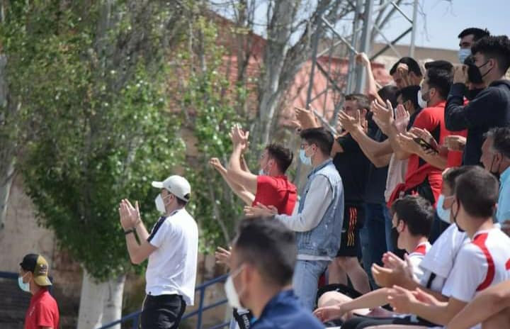 Suporters cheer on Aspe UD 'A' to Preferente promotion