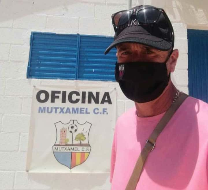Steve Dobson travelled almost an hour to Muxtamel to watch Racing San Miguel.