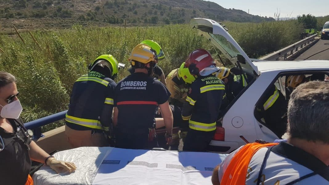 Motorcyclist dies and six injured in four accidents in Alicante and Elche