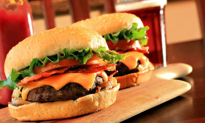 Orihuela council threatened with 6 million euro legal action over Burger Franchise