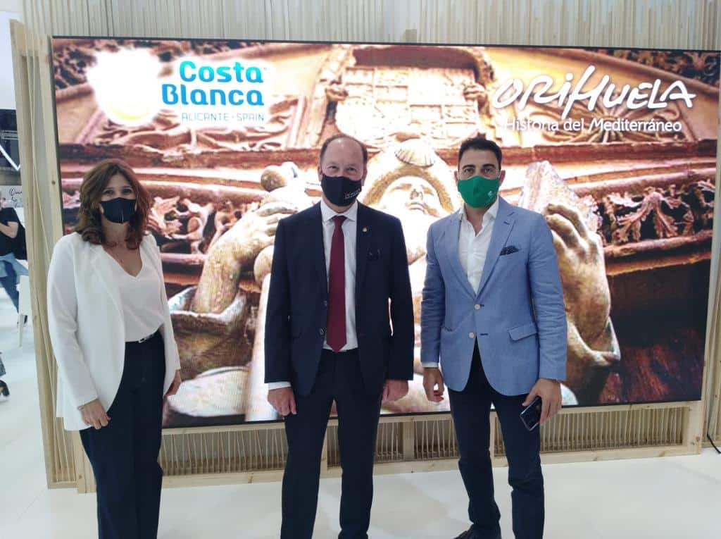 Orihuela promotes high speed train at 2021 Fitur in Madrid