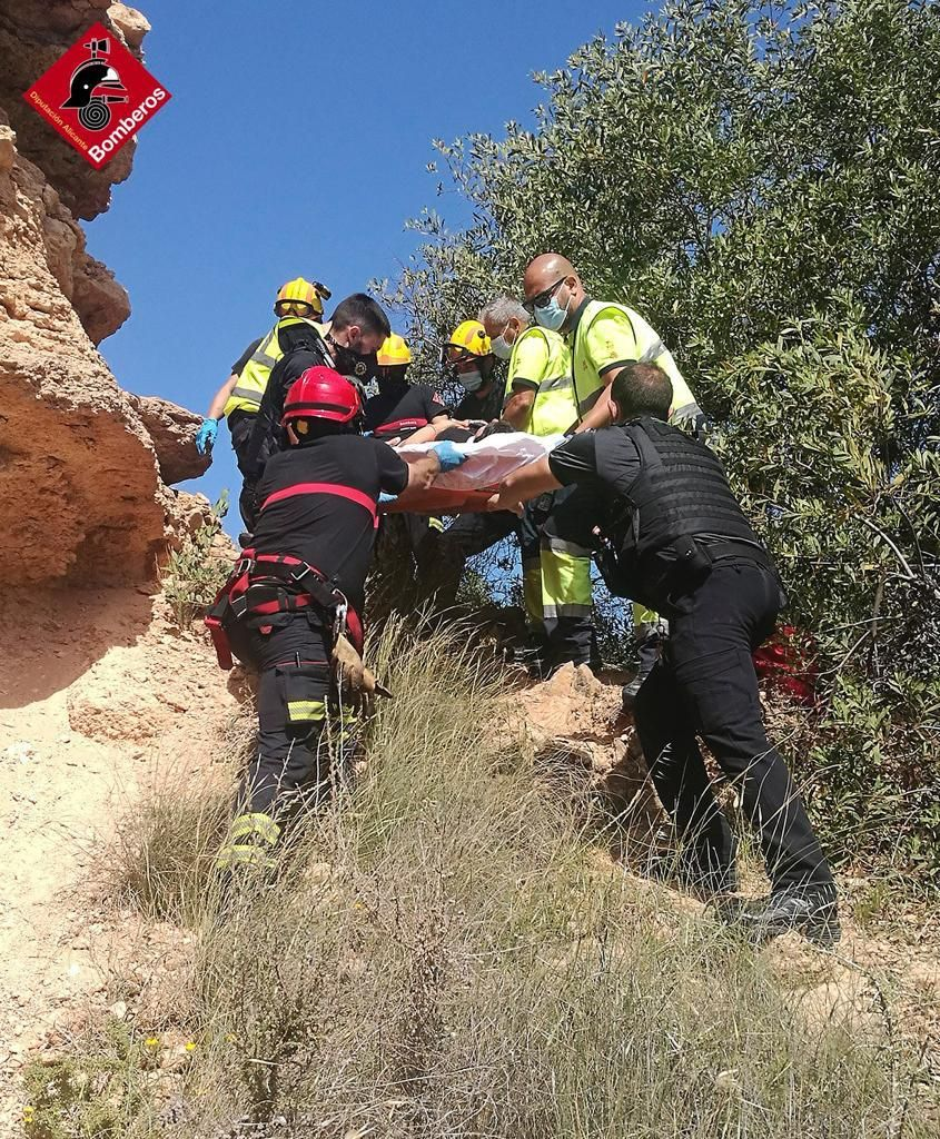 Woman rescued by firefighters after Punta Prima cliff face fall