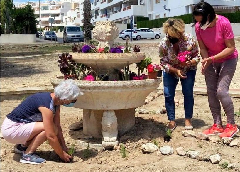 Las Riojas Residents rescue their park