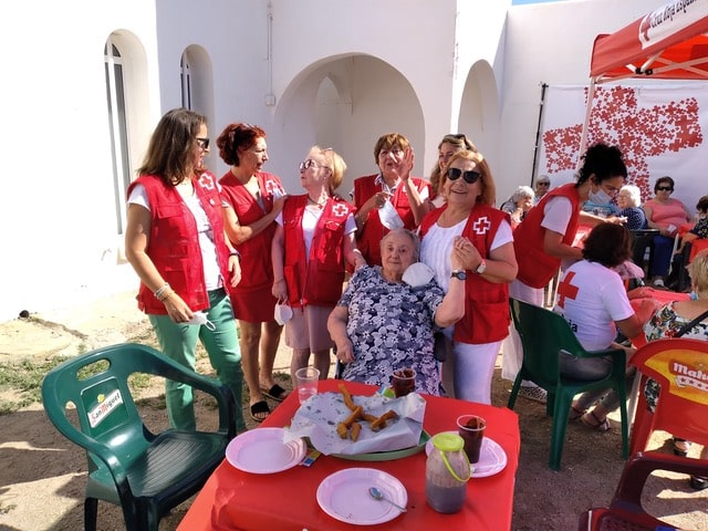 Comprehensive Care for the Elderly is an activity which Mojácar Red Cross has been carrying out for a long time