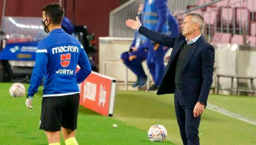 Fran Escribá renews his contract at Elche