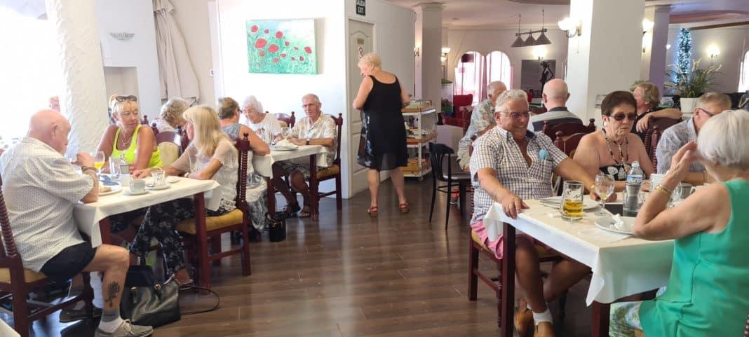 Inaugural Veterans Breakfast Club held in Playa Flamenca