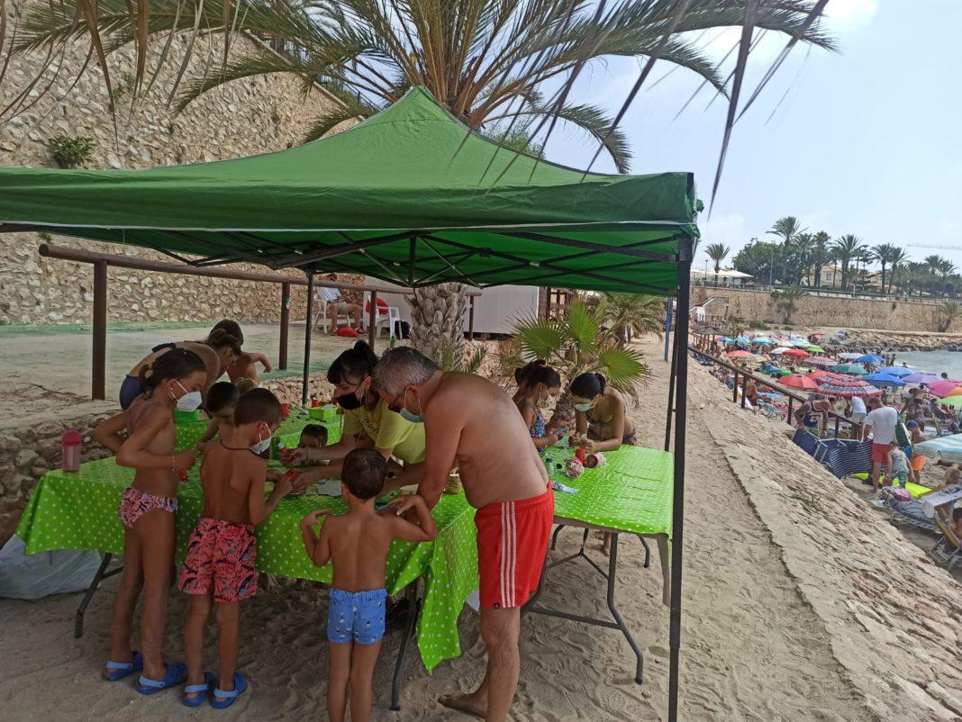 Raising awareness of recycling on Orihuela beaches