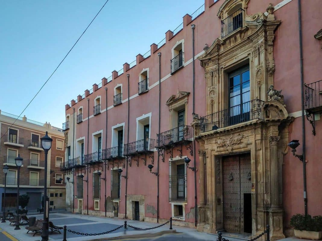 Orihuela refuses transfer of Old Courts as documentation is in Valenciano