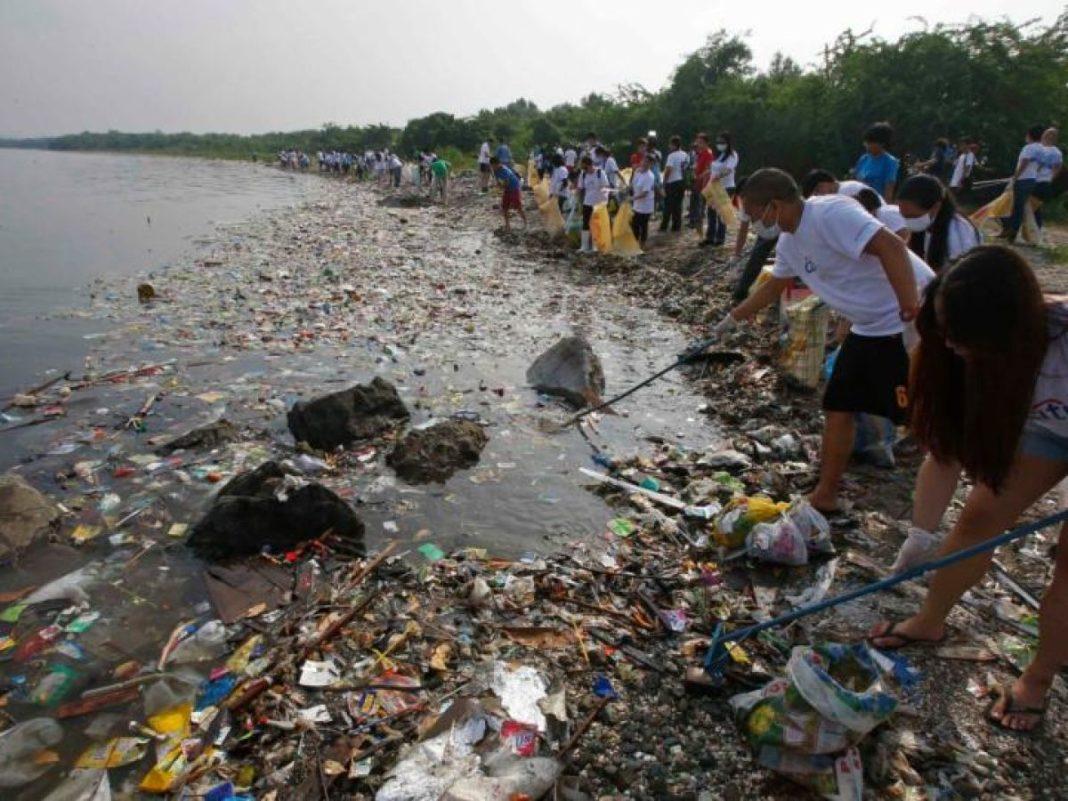 8.3 BILLION TONS OF PLASTIC ON EARTH