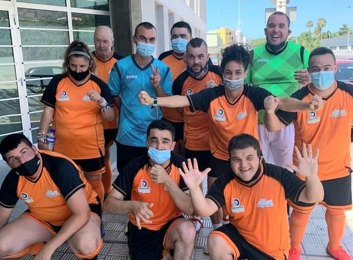 Marta holds futsal clinic in La Palma