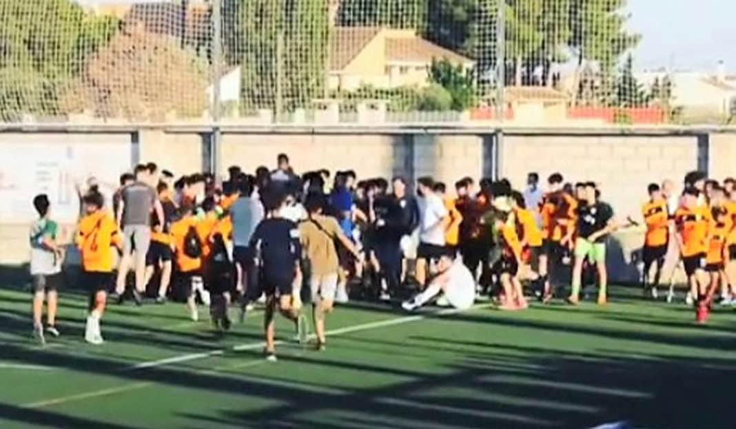 Atletico de Catral Juvenile defeat Costa City to lift League trophy