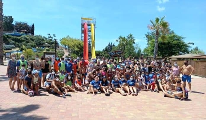 Acuopolis Torrevieja welcome children from APANEE and Alpe