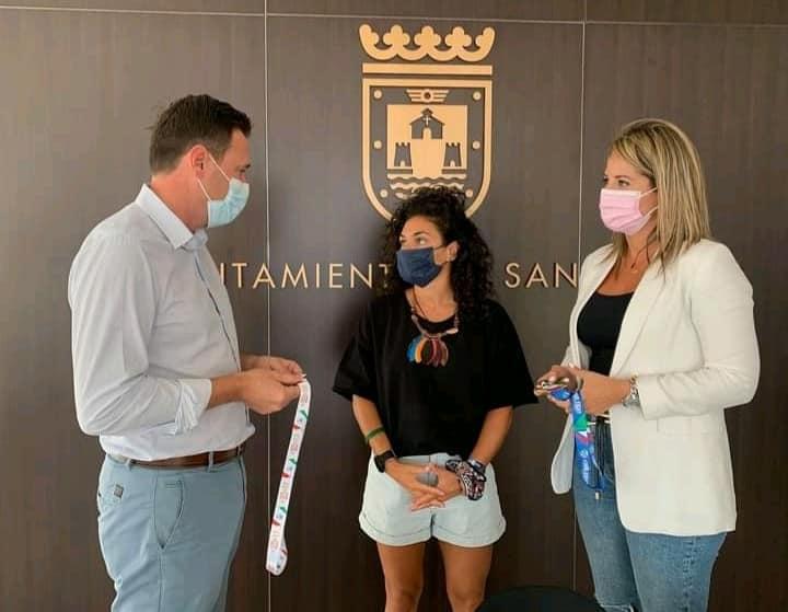Marta welcomed home by Councillor for Sports of San Javier, Sergio Martínez and mayor Estíbaliz Masegosa