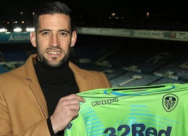 Leeds keeper Kiko Casilla has joined Elche on season long loan.