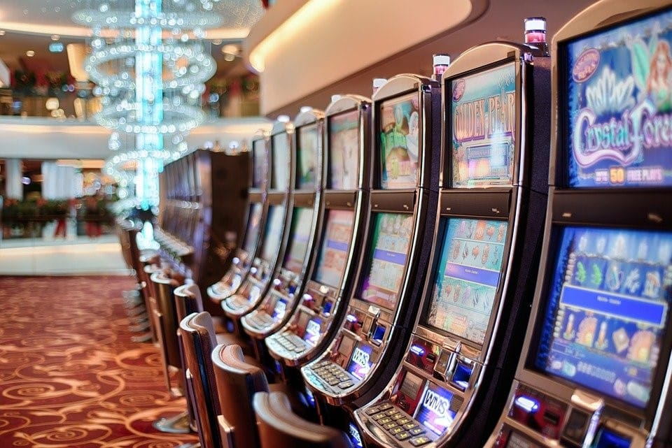 Slots are one of the most popular online casino games.