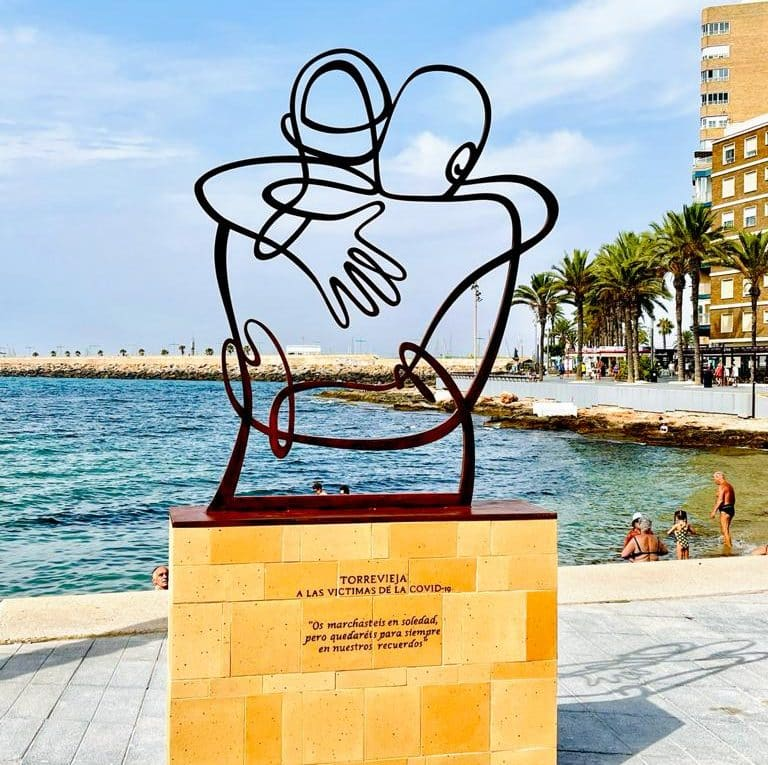 Torrevieja tribute to victims of Covid 19