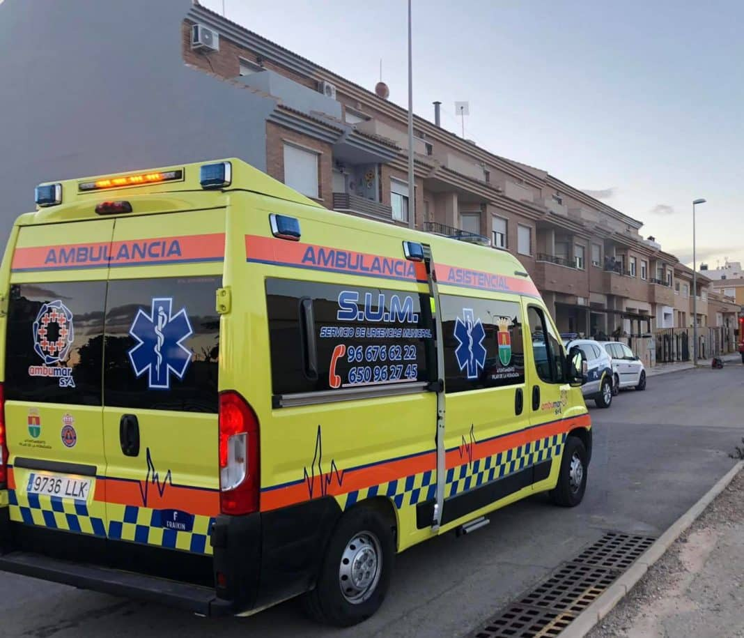 Man suffers multiple injuries after thrown out window in Alicante