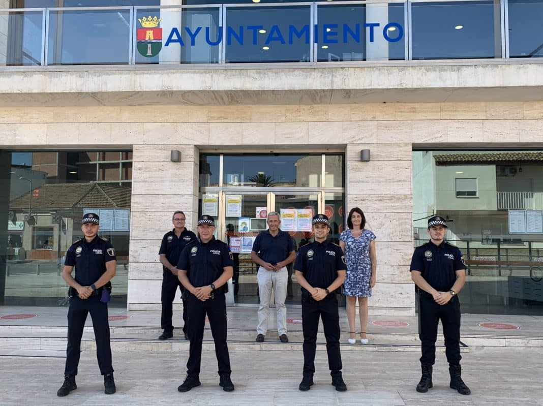 Four new police officers have taken up their duties as agents of the Pilar de la Horadada Local Police