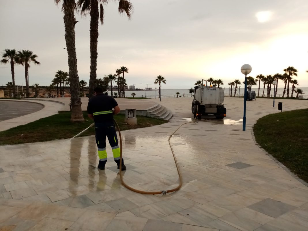 Orihuela allocates more than one million euros for summer Street Cleaning