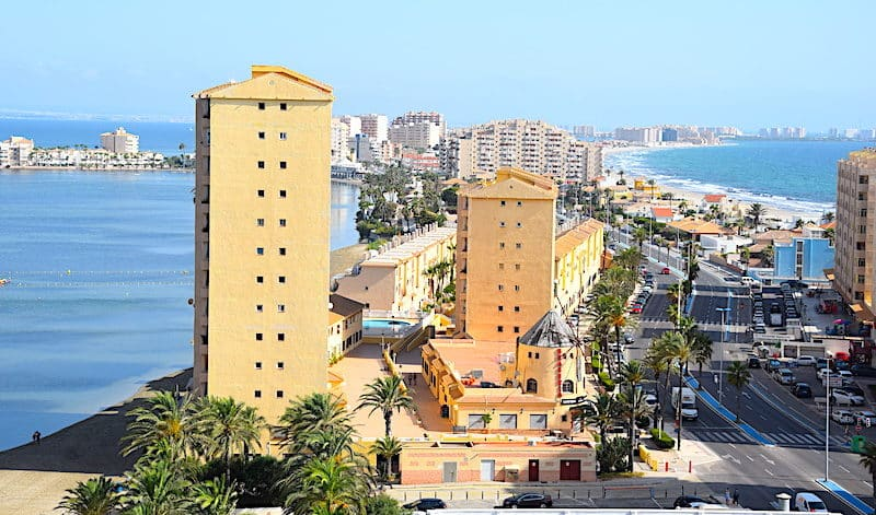 Spanish sector saves hotel summer holiday period in Murcia Region