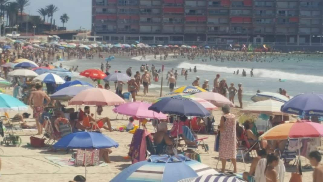 Costa Blanca exceeds one million tourists in July