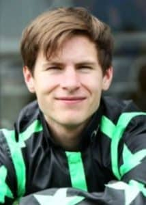 Richard Kingscote rode Annandale to victory at Ayr.