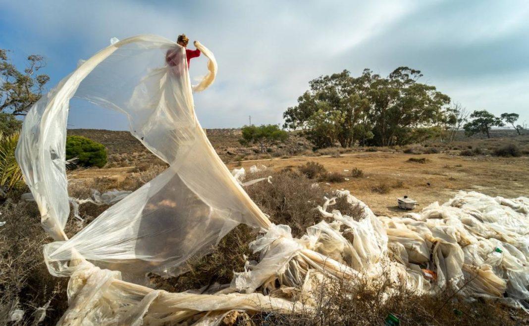 Pilar de la Horadada tells farmers to clean up their plastic waste