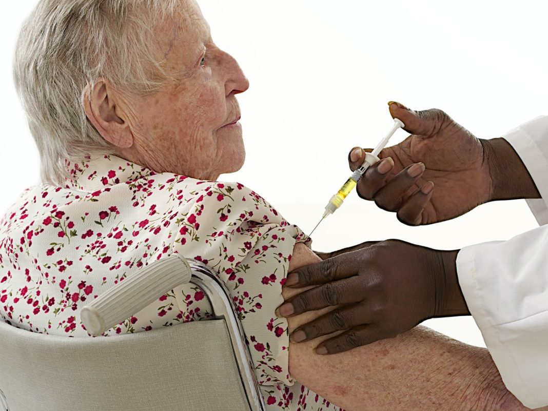 Health rolls out the third dose in nursing homes