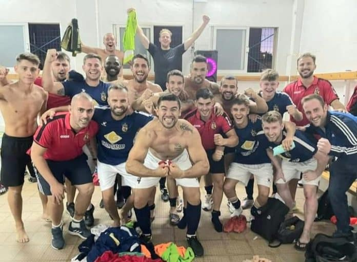 CD Montesinos celebrate after La Nostra Cup tie win at Racing San Miguel. Photo - FMSC.
